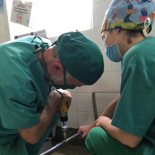 Menuisierie en salle d'opération