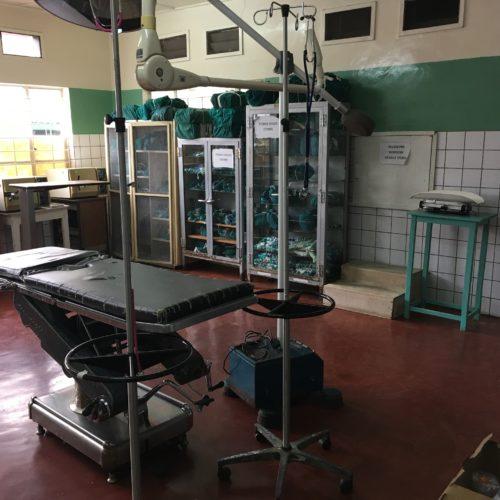 Salle d'opération à Kilembe.