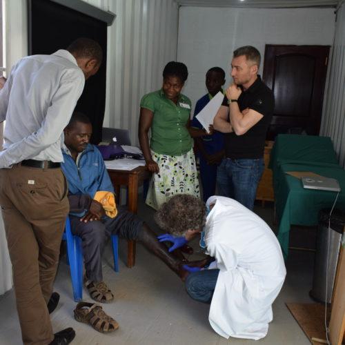 Consultation d'orthopédie avec Georges Kohut et Remy Boscacci